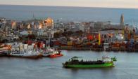 Puerto. El de Montevideo es la única terminal de aguas profundas consolidada en Uruguay. Foto: Ariel Colmegna.