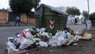 La basura se acumula en más de 1.000 contenedores. Foto: F. Ponzetto.