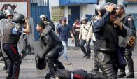 Una manifestación en San Cristobal terminó con dos policías muertos. Foto: Reuters