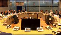 Ayer en Bruselas , ambas delegaciones intercambiaron ofertas. Foto: EFE