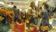 Dicen que, por compras vía Internet en el exterior y brecha cambiara con Argentina se estancaron ventas. Foto: Inés Guimaraens.