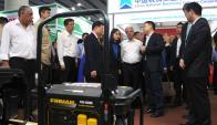 Vázquez recorrió la Feria de Importación y Exportación de China. Foto: Presidencia