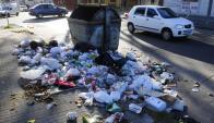 La Unión: algunos contenedores fueron vacias pero no se hizo limpieza alrededor. Foto: M. Bonjour