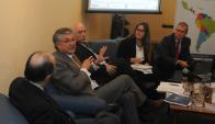 La primera mesa del evento trató el tema de la seguridad enfocada en los comercios. Foto: F. Flores