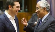 El premier Alexis Tsipras debate con su homólogo luso. Foto: EFE