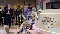 La pujante industria robótica exhibe sus avances en Foro de Davos. Foto: Reuters