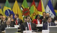 El presidente Maduro, junto al vicepresidente uruguayo Raúl Sendic en Quito. Foto: Reuters