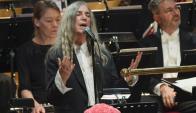 Patti Smith relató cómo fue para ella cantar en los Premios Nobel. Foto: EFE