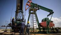 Hidrocarburos: los bajos precios son reflejo de una menor demanda y mayor oferta.
