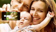 """Para los expertos, los padres suben fotos de sus hijos para lograr """"Me gusta""""."""