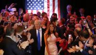 Melania junta a Donald Trump en un acto de campaña. Foto: AFP