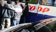Raincoop dejó de funcionar el viernes tras 40 años de presencia en el mercado del transporte montevideano. Foto: Marcelo Bonjour.