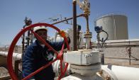 Petroleras en coyuntura de precios bajos no tienen fondos para realizar exploraciones caras.