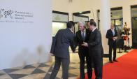 El presidente Vázquez junto a su homólogo francés  Francois Hollande. Foto: Manuel Tort/ Presidencia