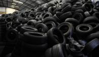 Neumáticos en desuso podrían ser transformados en energía. Foto: Marcelo Bonjour.