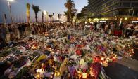El homenaje en Niza para los cientos de personas que resultaron muertas y heridas. Foto: AFP