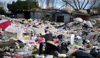 Así estaba el terreno en Tres Ombúes antes del operativo de limpieza. Foto: F. Ponzetto