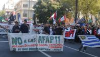 El grupo de cincuentones afectado se movilizó para protestar. Foto: F. Flores
