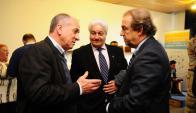 El ministro de Trabajo con los presidentes de las gremiales de Comercio y de Industrias. Foto: M. Bonjour