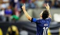 Messi tras anotar su gol 55 con Argentina. Foto: EFE
