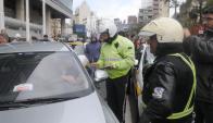 Intendencias y ministerios de Transporte e Interior fiscalizarán a choferes de Uber. Foto: A. Colmegna
