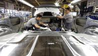 La venta de vehículos de Uruguay hacia Argentina descendieron 50,9 %. Foto: Reuters
