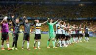 Los jugadores de Bélgica celebran la clasificación. Foto: EFE