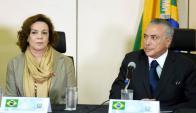 Michel Temer presenta a Fátima Pelaes, jerarca de la Secretaría de la Mujer. Foto: AFP.