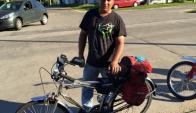 Lemes colecciona motos antiguas y tiene otras tres bicicletas como la fido triunfal. Foto: Facebook.