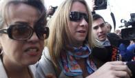 La nuera de la presidenta de Chile llega a la fiscalía. Foto: EFE.
