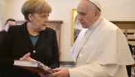 El papa Francisco se reunió con la cenciller alemana Angela Merkel. Foto: EFE
