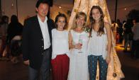Gustavo, Camila, Rose y Marina Galfione.