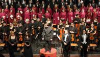 El coro nacional en una velada muy aplaudida.