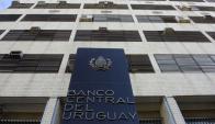 El Banco Central elaboró un informe sobre las tasas de interés que cobran los bancos en los créditos que conceden. Foto: Archivo El País