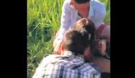 En un descampado los jóvenes acosaron y filmaron a una adolescente semidesnuda.