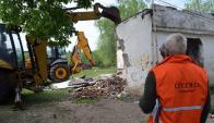 Intendencia de Durazno y Comité de Emergencias demolieron vivienda. Foto: V. Rodríguez