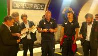 Los jugadores del Bordeaux en el metro de de París. Foto: @GOLDFM