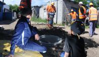 Se completó la mitad de la obra y continúa la instalación de cañerías en las viviendas. Foto: F. Ponzetto.