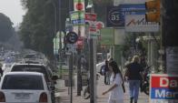 Avenidas de Montevideo continúan sobrecargadas por la publicidad de los comicios departamentales.