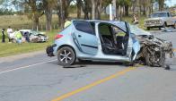 Falleció un hombre de 74 años y una mujer de 75 que viajaban en un auto. Foto: D. Rojas.