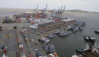 El movimiento de carga en el puerto de Montevideo registró en 2014 una caída de 5,4% respecto a lo sucedido en 2013. Foto: Ariel Colmegna
