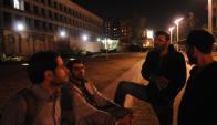 Cuatro de los liberados de Guantánamo siguen frente a la embajada de EE.UU..Foto: A.Martínez.