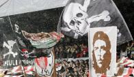 La hinchada de St. Pauli. Foto: Archivo El País.