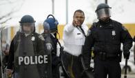 Incidentes entre la policía y jóvenes negros en Baltimore. Foto: AFP