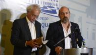 Martínez Huelmo y Marcos Otheguy luego del cierre de la comisión investigadora. Foto. G. Pérez