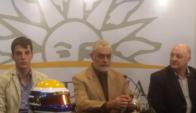 Santiago Urrutia es homenajeado por Presidencia.