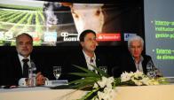 El vicecanciller junto a Ricardo Reilly y Federico Stanham. Foto: Marcelo Bonjour