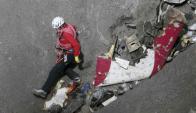 La policía trabaja en la zona donde cayó el avión de Germanwings. Foto: Reuters.