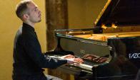Orazio Sciortino, un pianista de primer nivel en la sala Delmira Agustini.