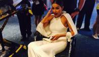 Olivia Culpo en silla de ruedas (Foto: Twitter)